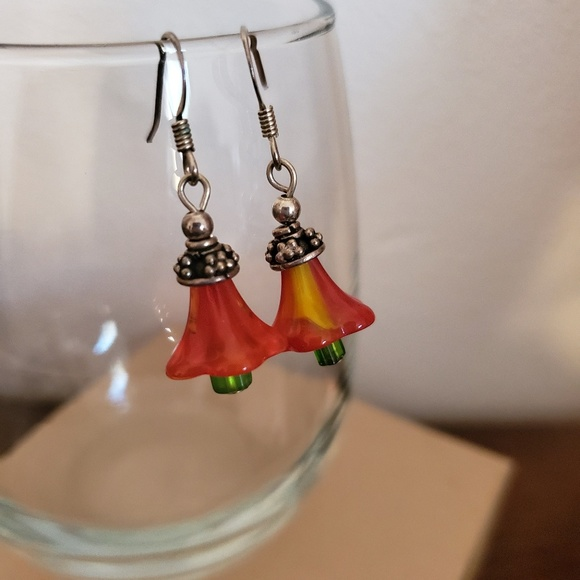 Jewelry - Glass Red Flower Drop Earrings